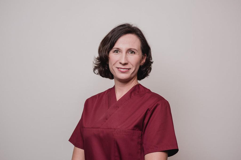 Mund-Kiefer-Gesichtschirurgie-Pforzheim-Team-Risling-Julia