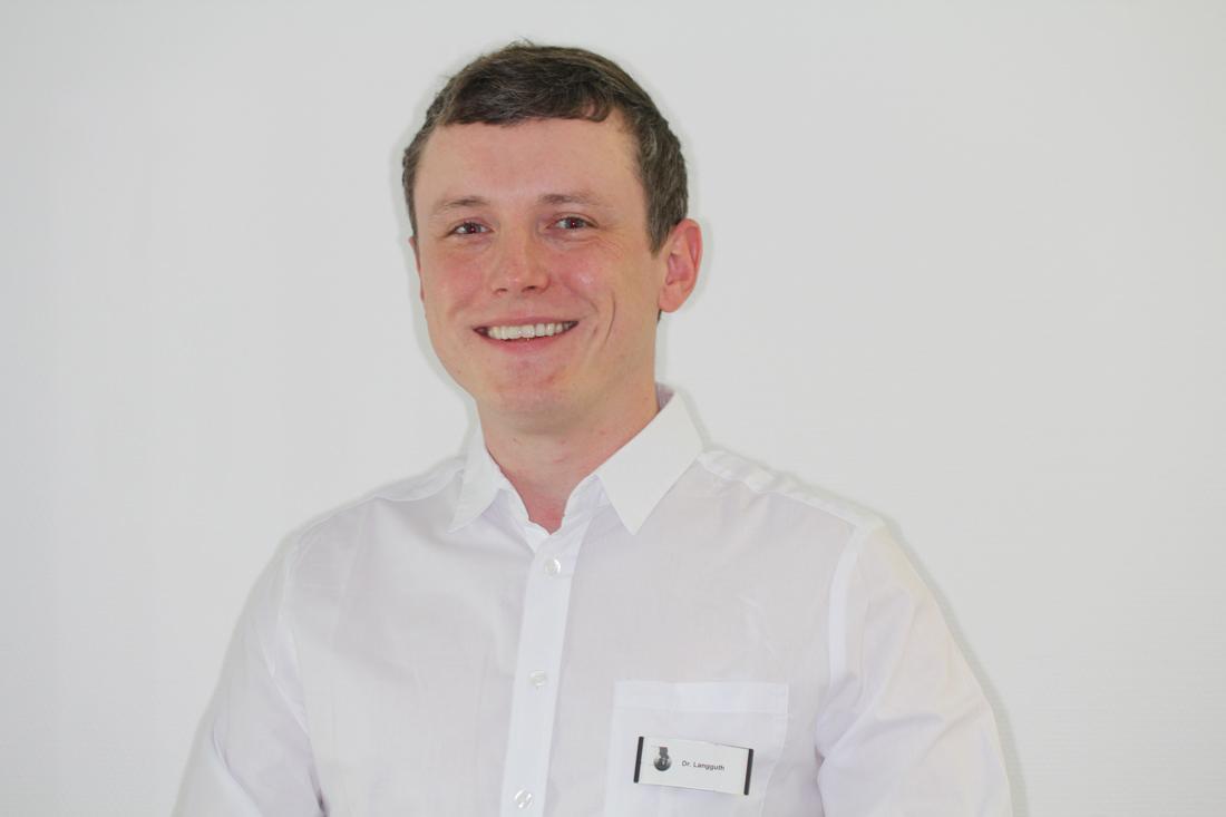 Mund-Kiefer-Gesichtschirurgie-Pforzheim-Dr.-Tobias-Langguth